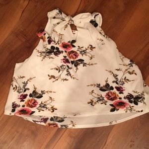 eab1cae60e SHEIN Tops | Nwot White Floral Crop Top And Matching Short Set ...